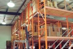 מדפים למחסן תעשייתי