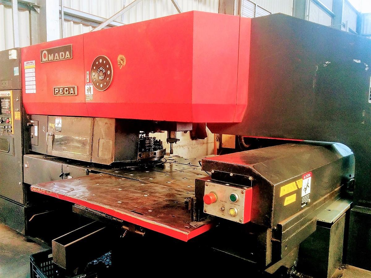 מכונה לייצור מדפי מתכת