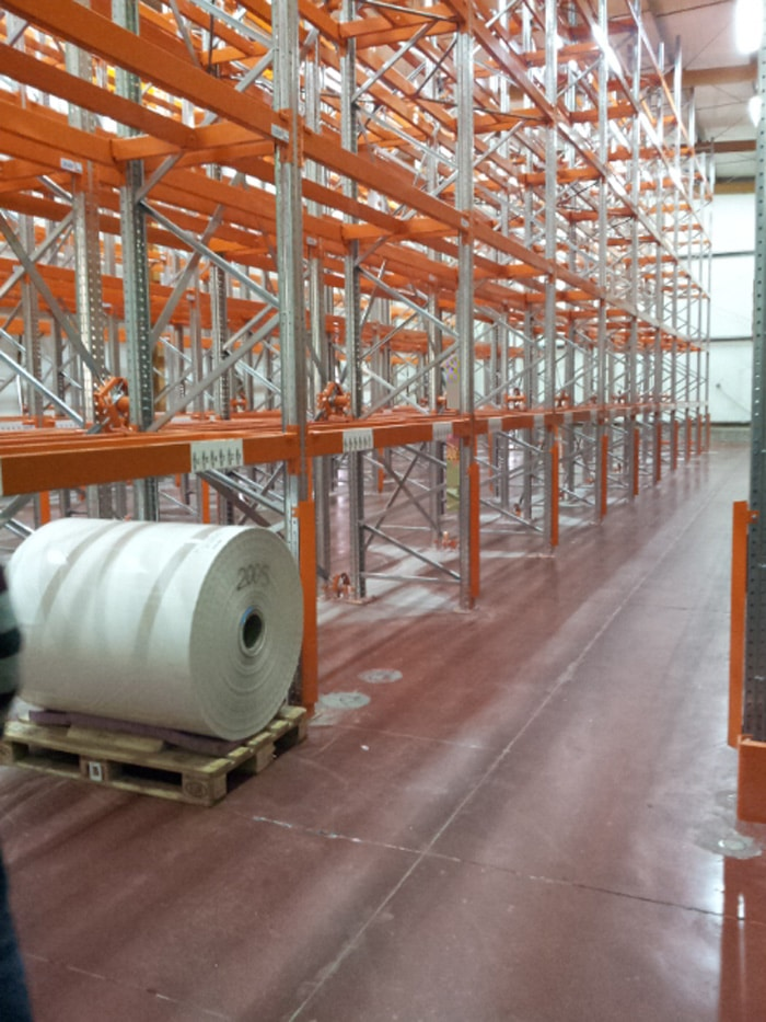 מדפי מתכת למפעל