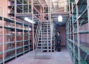 בטיחות מדפים למחסן